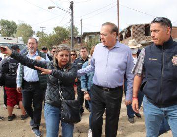 Supervisa alcalde entrega de ayuda a damnificados por incendios