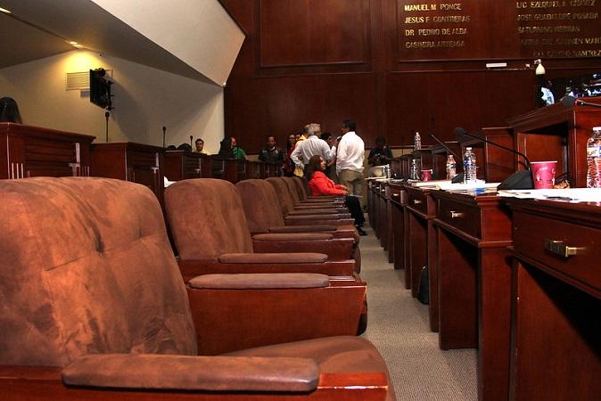 Se atora en la comisión de Gobernación iniciativa para eliminar el fuero