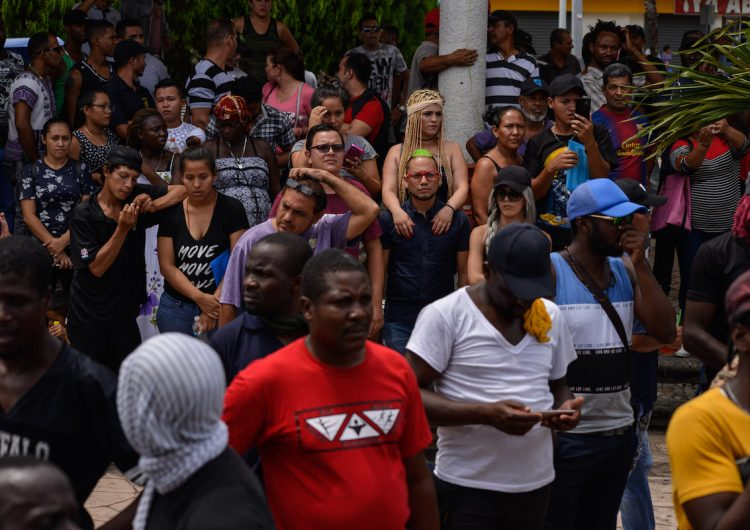 2,000 migrantes marchan de Chiapas a la CDMX para exigir soluciones a su situación legal