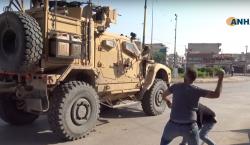 """¡Mentirosos!"": Pobladores de Siria agreden a soldados de EU durante…"
