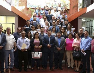 Otorgan becas educativas a funcionarios municipales de Calvillo
