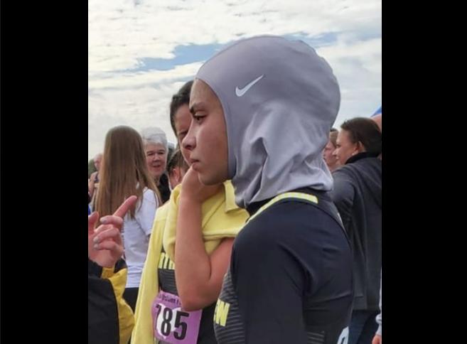 Una estudiante musulmana fue descalificada de una carrera por participar con un hijab