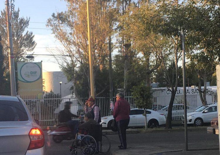 Taxistas de Aguascalientes ¡se quedan ciegos!… cuando el cliente es discapacitado