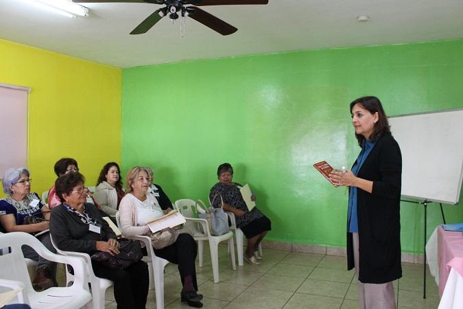 Imparten taller de Tanatología en DIF de Jesús María