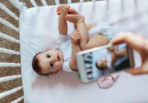 Científicos crean una aplicación que puede ver el cáncer en los ojos de los niños