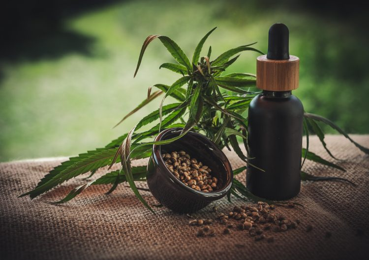 Francia aprueba el uso experimental de la marihuana medicinal