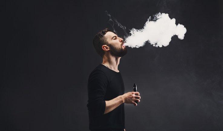 Peligros del vapeo: hechos y estadísticas sobre los riesgos a la salud de los cigarros electrónicos