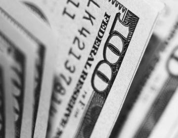 Hombre gana 200 mil dólares en la lotería el día de su última quimioterapia