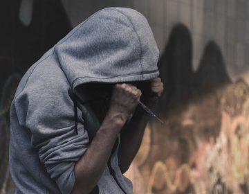 """""""Fuera de línea"""" pero en silencio anexo acusado de tortura"""
