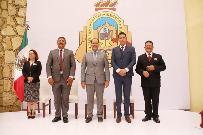 Acudió gobernador a toma de protesta de siete presidentes municipales en Aguascalientes