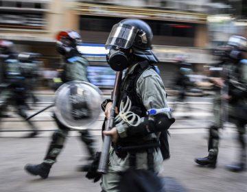 Choques y gases lacrimógenos en nuevas protestas en Hong Kong