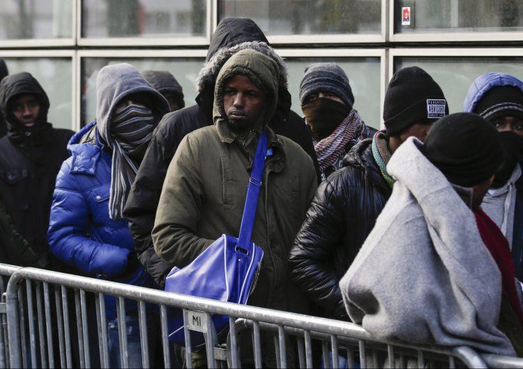 """Presidente turco amenaza de nuevo con """"abrir las puertas"""" a los migrantes rumbo a Europa"""