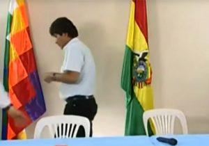 Bolivia queda acéfala tras renuncia de Morales, vicepresidente y presidentes del Congreso