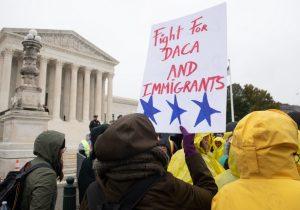 Nueve jueces con posturas divididas debaten sobre el fin del programa DACA y el futuro de los Dreamers