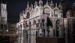 Fotos | Venecia enfrenta la mayor marea alta desde el…
