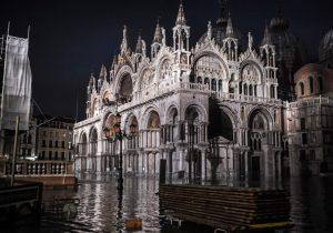 Fotos | Venecia enfrenta la mayor marea alta desde el récord registrado en 1966