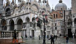 Venecia en alerta por histórica marea alta que deja un…