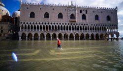 Venecia declara estado de emergencia por marea alta; destina 20…