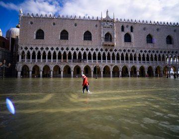 Venecia declara estado de emergencia por marea alta; destina 20 mde para las intervenciones urgentes