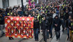 Fuertes disturbios en París en primer aniversario de los chalecos…