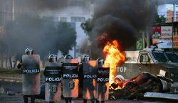 Tres muertos en choques de manifestantes con militares en Bolivia