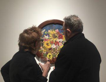 """""""Cesta con flores"""" y """"La dama de blanco"""", los cuadros de Frida Kahlo que se subastarán en NY"""