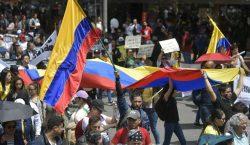 El presidente Iván Duque enfrenta multitudinaria protesta contra sus políticas…