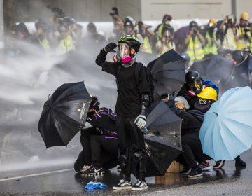 Donald Trump promulga una ley para apoyar a los manifestantes en Hong Kong
