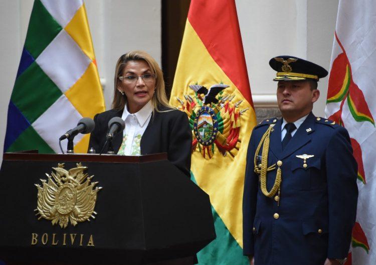 Presidenta de Bolivia deroga decreto que eximía de responsabilidad penal a militares durante protestas