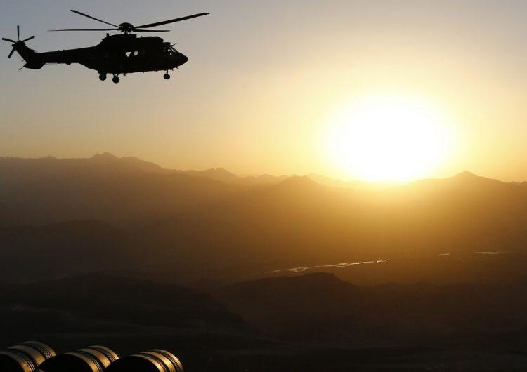 Mueren 13 militares franceses al colisionar dos helicópteros en Mali