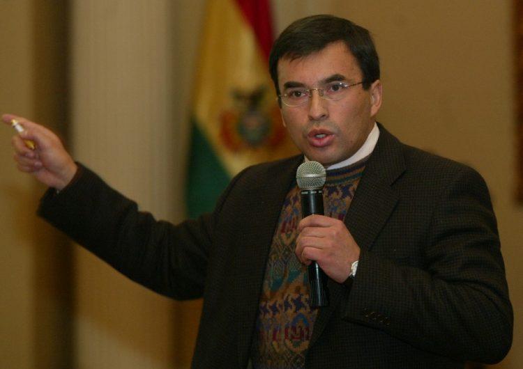 Cinco exfuncionarios de Bolivia asilados en embajada mexicana tienen orden de aprehensión
