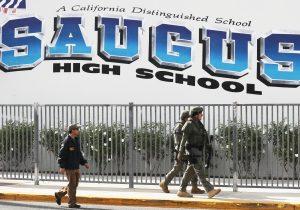 Dos muertos y cuatro heridos en un tiroteo en una escuela cerca de Los Ángeles