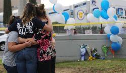 Muere autor del tiroteo en una escuela de Santa Clarita,…