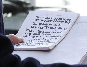 ¿Qué dicen los extraños apuntes de Trump sobre la audiencia de Sondland?