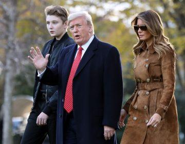 La investigación por juicio político empaña el viaje de Trump a Florida en Thanksgiving