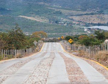 Rehabilitan carretera hacia Malpaso en Calvillo