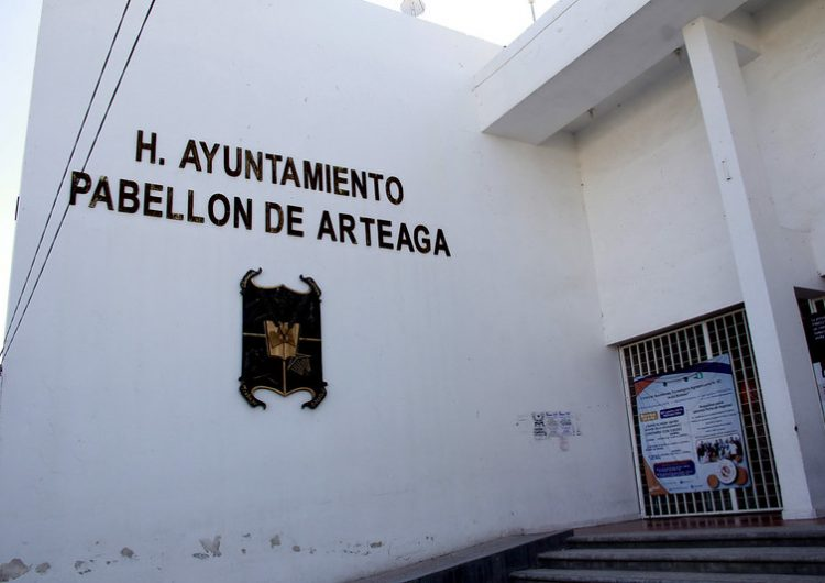 Busca Pabellón de Arteaga llevarse dependencias de gobierno estatal