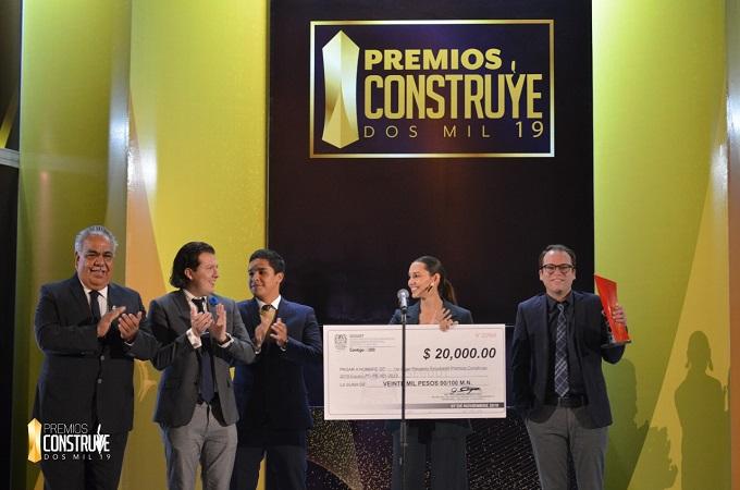 Alumnos de la Universidad Cuauhtémoc ganan premio Construye 2019