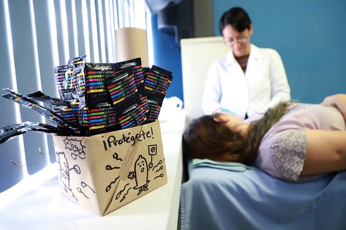 Ofrece UAA orientación gratuita sobre uso de métodos anticonceptivos