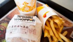 Burger King lanza nuevas hamburguesas preparadas con carne vegetal