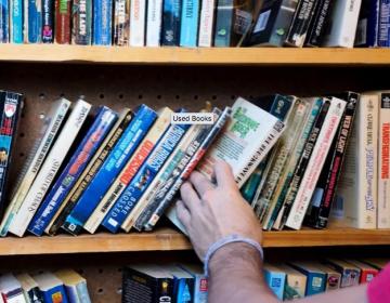 La capacidad de leer y escribir puede proteger al cerebro contra la demencia, indica estudio