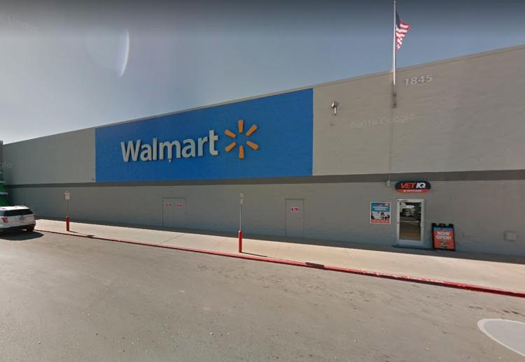 Tiroteo en Walmart de Oklahoma deja 3 muertos