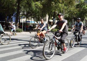 Ciclismo en CDMX: tejer redes para enfrentar al automóvil