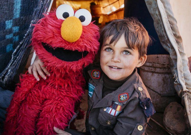 Plaza Sésamo crea nuevo programa para ayudar a los niños refugiados en Medio Oriente