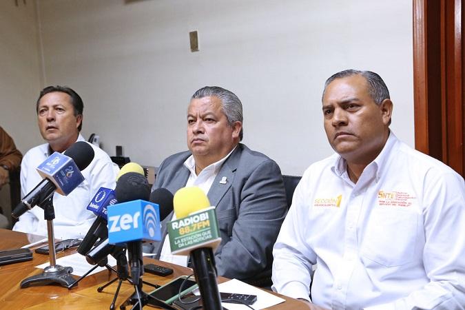 Renunció directora del CRENA para facilitar acuerdo en paro de normales