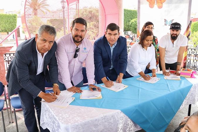 Refrendan apoyo a niños con cáncer del municipio de Calvillo