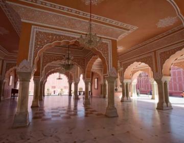 El histórico Palacio de la Ciudad de Jaipur, en India, puede reservarse en Airbnb