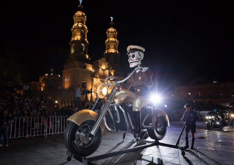 Se realizó colorido Desfile de Calaveras en Aguascalientes