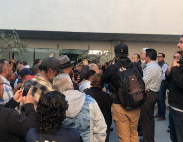 Promete estado anticipo de adeudo a burócratas después del 14 de noviembre