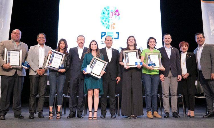 Entregan el Premio Estatal de la Juventud en Aguascalientes